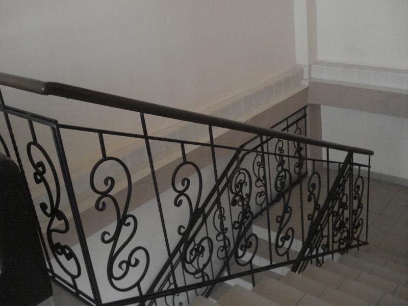 Кованые лестницы внутри дома фото